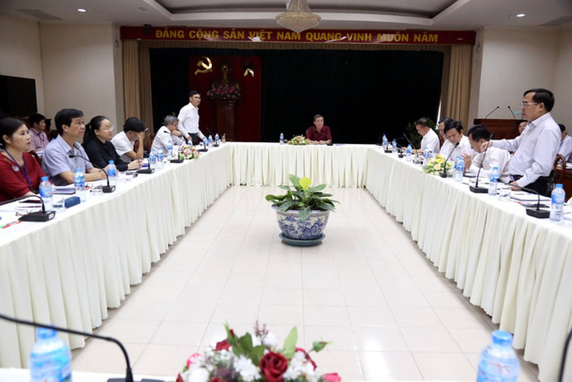 Đồng Nai cũng đã thành lập Ban chỉ đạo dự án thu hồi đất, bồi thường, hỗ trợ tái định cư sân bay Long Thành do ông Đinh Quốc Thái - Chủ tịch UBND tỉnh Đồng Nai, làm Trưởng Ban chỉ đạo