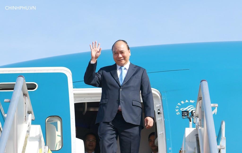 Thủ tướng Nguyễn Xuân Phúc và đoàn đại biểu cấp cao Việt Nam đến sân bay quốc tế Jackson, Port Moresby, Papua New Guinea. Ảnh: VGP
