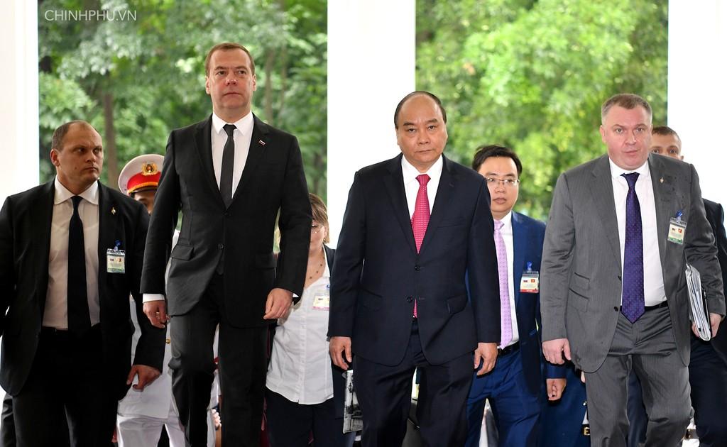 Chùm ảnh: Thủ tướng Nguyễn Xuân Phúc đón Thủ tướng Nga - ảnh 2