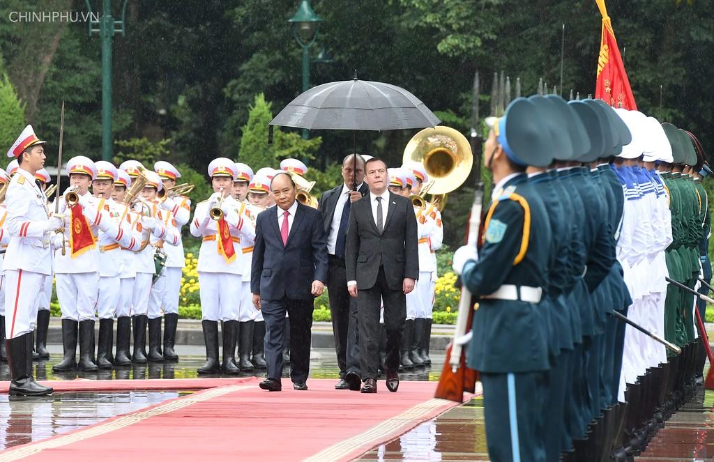 Chùm ảnh: Thủ tướng Nguyễn Xuân Phúc đón Thủ tướng Nga - ảnh 3