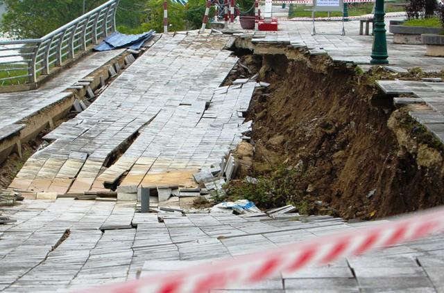 Dự án kè được đầu tư hơn 100 tỷ đồng đã xuống cấp nghiêm trọng.