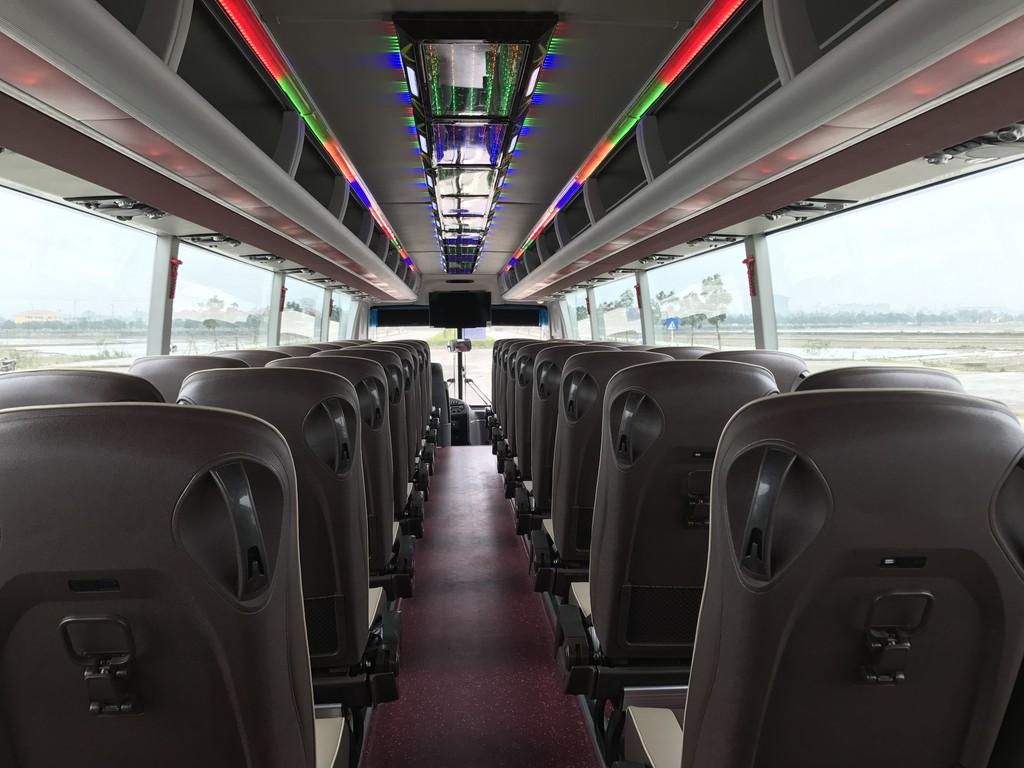 Vinamotor giới thiệu xe tải nhẹ Cabstar và xe khách 47 chỗ Universe Noble HN47S tới người tiêu dùng Hà Nội - ảnh 4