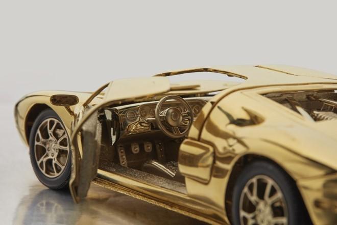 Mô hình Ford GT được đấu giá ngang BMW 3-Series - ảnh 3