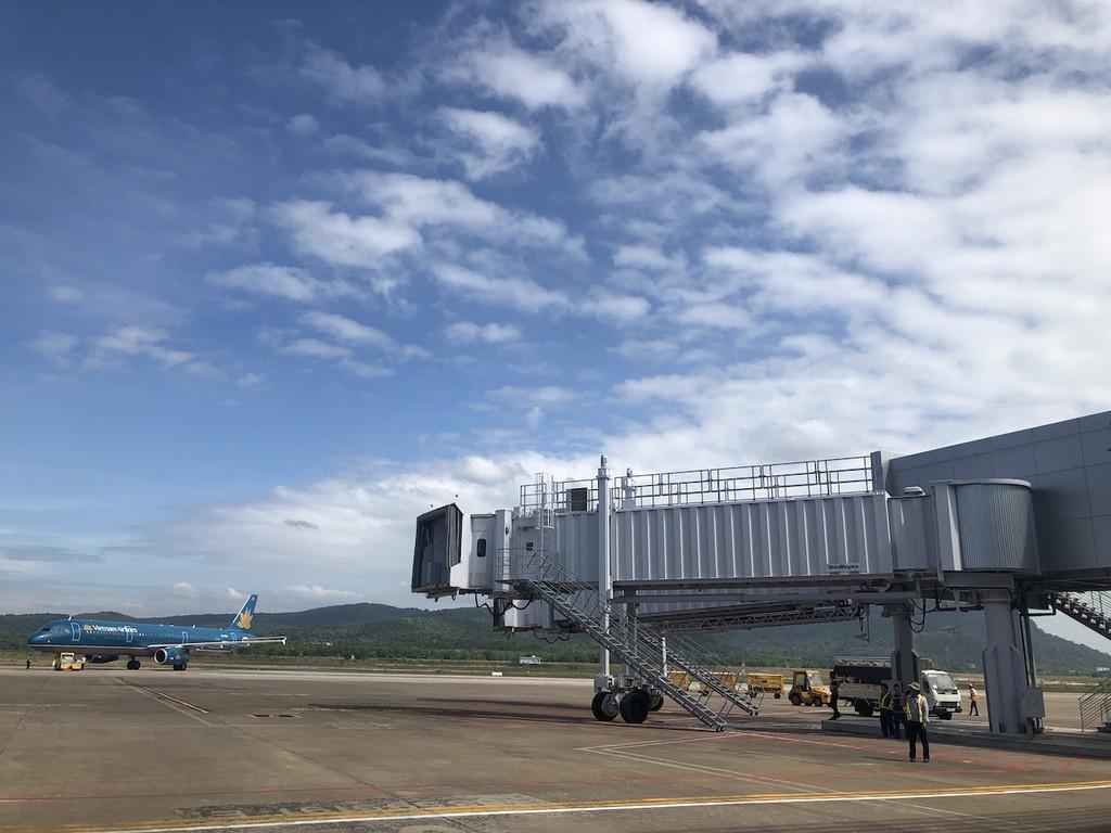 Sau khi hoàn thành mở rộng số cầu ống lồng ra tàu bay tăng từ 0 lên 4 ống. Ảnh VGP