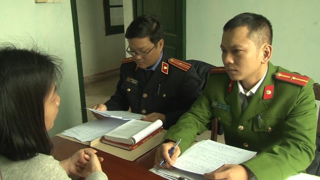 Lê Trương Quỳnh Tiên tại cơ quan Công an TP Huế