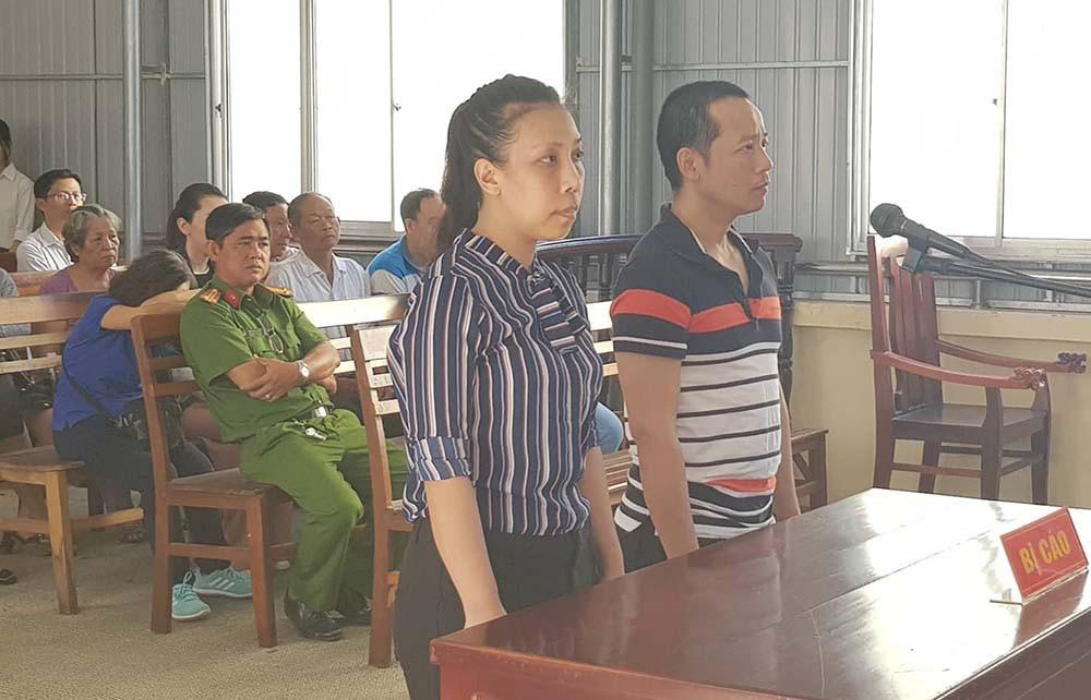 Phạm Lê Hoàng Uyển và Võ Hoàng Hà tại phiên toà hôm nay