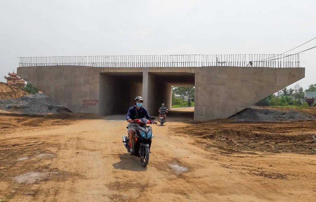 Tuyến cao tốc lớn nhất phía Nam không 'về đích' kịp cuối năm - ảnh 11