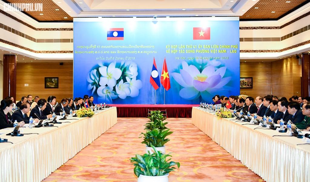 Hai Thủ tướng đồng chủ trì Kỳ họp 41 Ủy ban Liên Chính phủ Việt Nam - Lào - ảnh 2