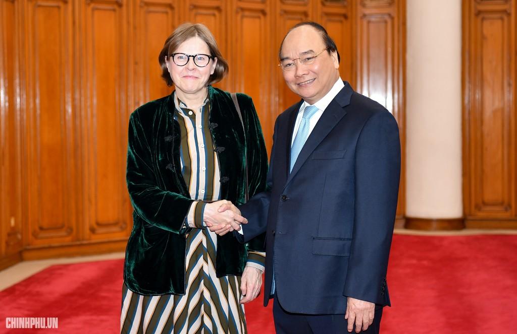 Thủ tướng tiếp Phó Chủ tịch Nghị viện châu Âu Heidi Hautala. Ảnh: VGP