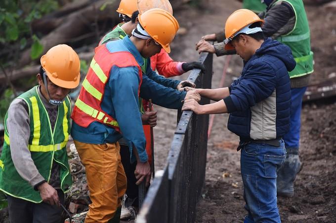 Hà Nội gấp rút mở rộng đường Láng thêm 3,5 mét - ảnh 8