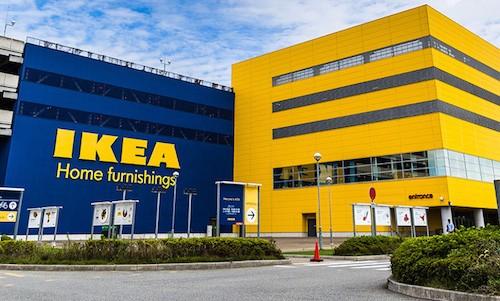 Bên ngoài một trung tâm bán lẻ thuộc hệ thống IKEA.
