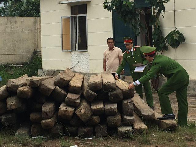 Số gỗ bị tạm giữ.(Ảnh cơ quan công an cung cấp)