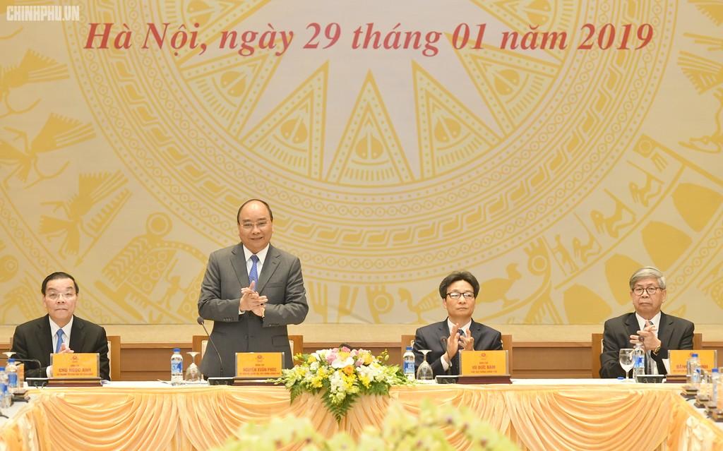 Thủ tướng Nguyễn Xuân Phúc phát biểu tại cuộc gặp mặt. Ảnh: VGP