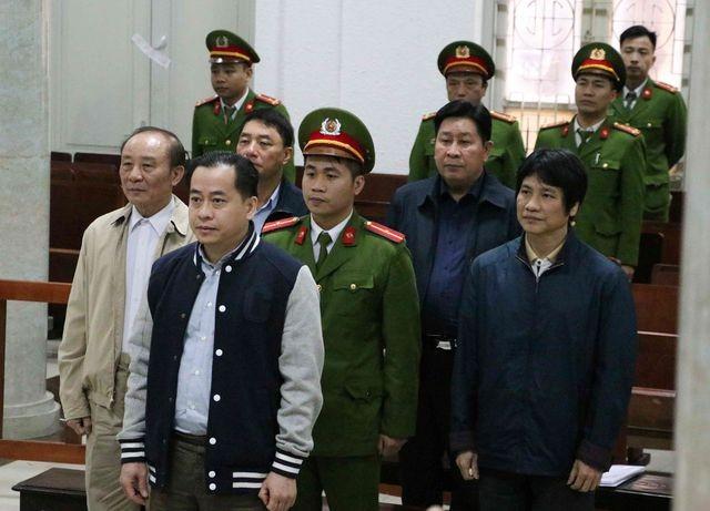 Tuyên phạt 2 cựu Thứ trưởng tổng cộng 66 tháng tù giam.