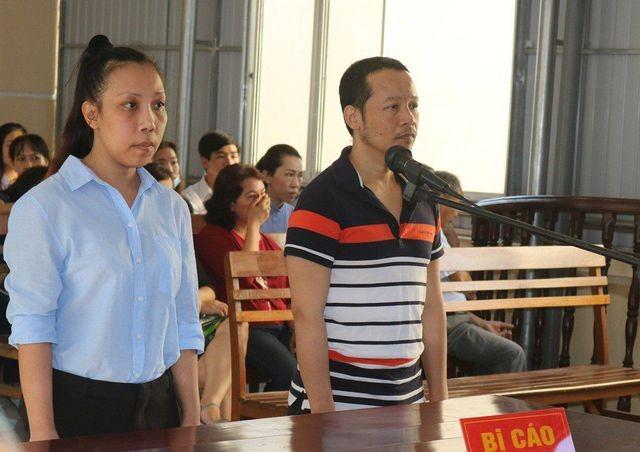 Phạm Lê Hoàng Uyển và Võ Hoàng Hà tại phiên tòa sơ thẩm