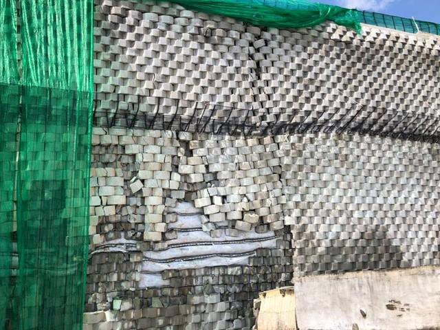 Bức tường xây dựng trái phép tại dự án khu biệt thự nghỉ dưỡng Đồi Xanh (Marina Hill)