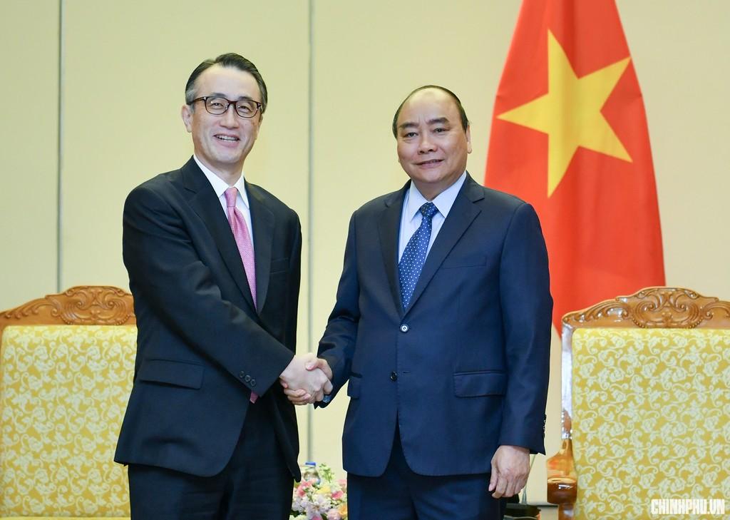 Thủ tướng tiếp ông Kanetsugu Mike, Tổng Giám đốc Ngân hàng MUFG. Ảnh: VGP