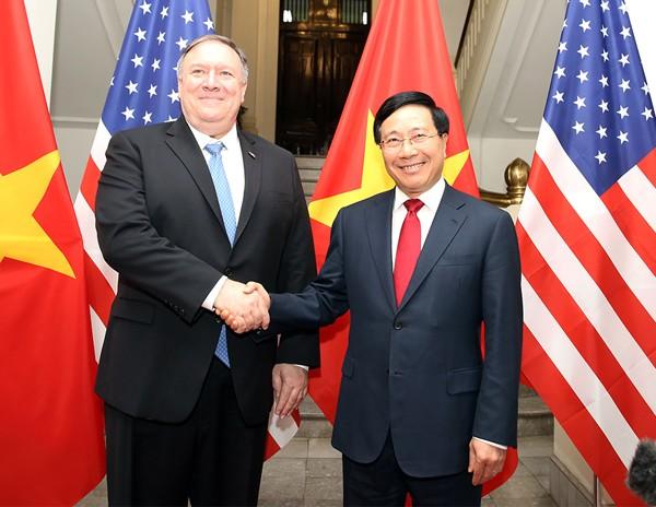 Phó Thủ tướng, Bộ trưởng Ngoại giao Phạm Bình Minh và Ngoại trưởng Hoa Kỳ Michael Pompeo. Ảnh: VGP