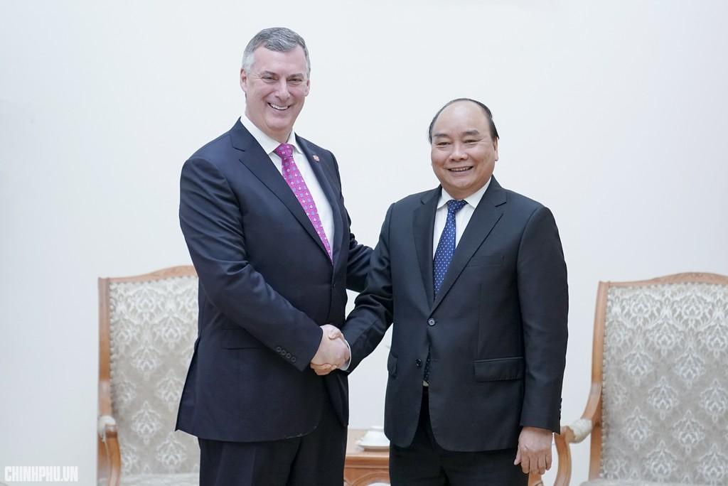 Thủ tướng tiếp ông Kevin McAllister, Phó Chủ tịch điều hành Tập đoàn Boeing. Ảnh: VGP