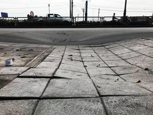 'Hố tử thần' xuất hiện trên quốc lộ ở Quảng Ninh - ảnh 3