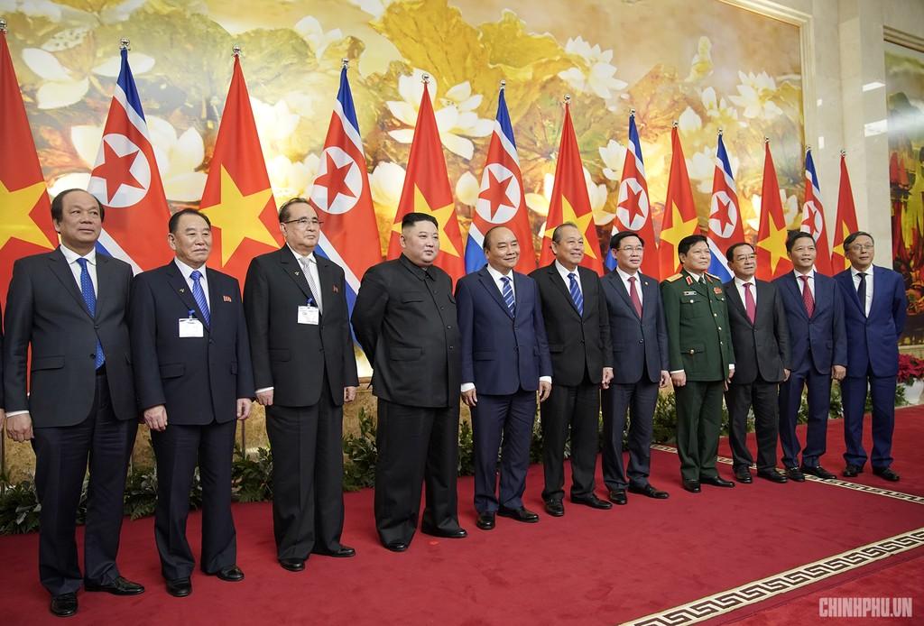 Thủ tướng Chính phủ Nguyễn Xuân Phúc tiếp Chủ tịch Kim Jong Un - ảnh 10