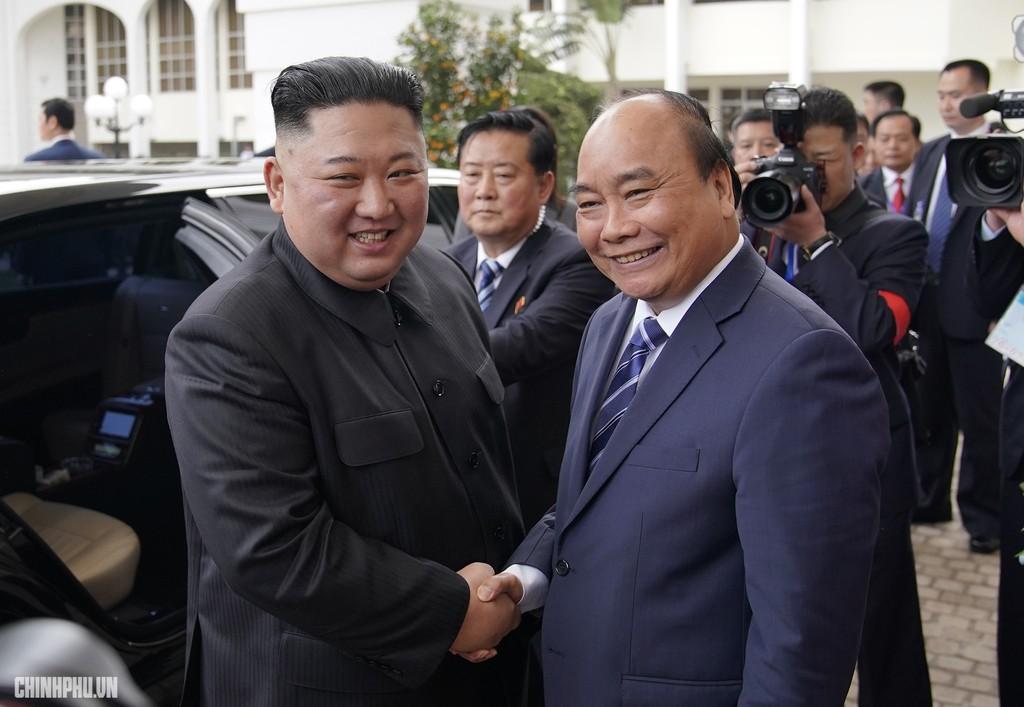 Thủ tướng Chính phủ Nguyễn Xuân Phúc tiếp Chủ tịch Kim Jong Un - ảnh 2