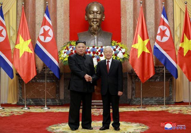Truyền thông Triều Tiên đăng bộ ảnh ấn tượng về chuyến thăm Việt Nam của ông Kim Jong-un - ảnh 3