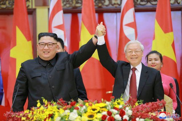 Truyền thông Triều Tiên đăng bộ ảnh ấn tượng về chuyến thăm Việt Nam của ông Kim Jong-un - ảnh 7