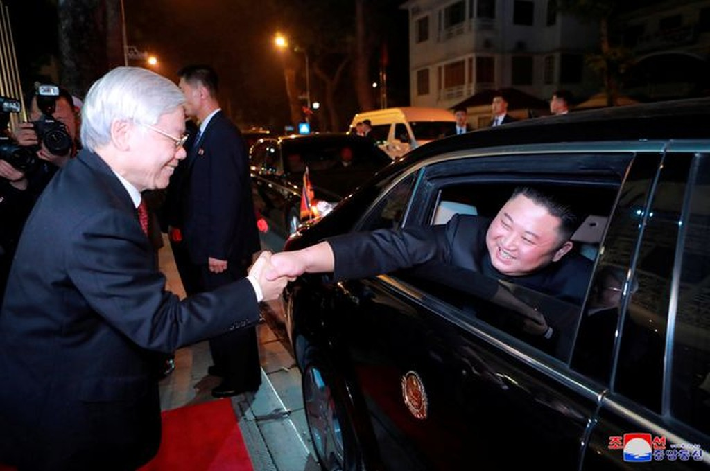 Truyền thông Triều Tiên đăng bộ ảnh ấn tượng về chuyến thăm Việt Nam của ông Kim Jong-un - ảnh 9