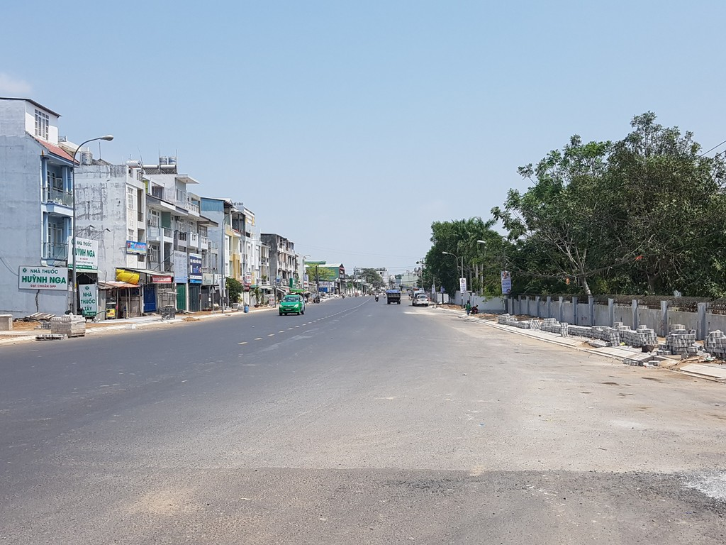 TP HCM: Giá đất mặt đường mới quận 9 tăng, có nơi 180 triệu đồng/m2 - ảnh 2
