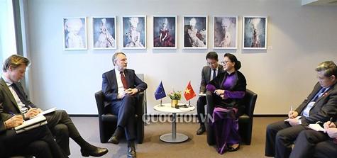 Chủ tịch Quốc hội gặp Chủ tịch Ủy ban Thương mại quốc tế Nghị viện châu Âu - ảnh 1
