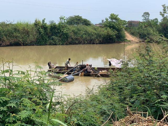 Hiện trường vụ hút trộm cát ở sông Krông Ana
