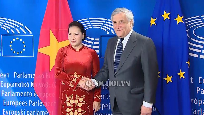 Chủ tịch Quốc hội Nguyễn Thị Kim Ngân và Chủ tịch Nghị viện châu Âu Antonio Tajani.