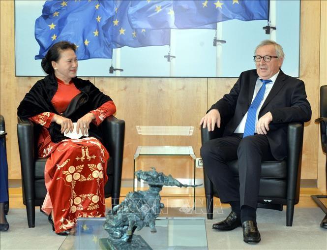 Chủ tịch Quốc hội Nguyễn Thị Kim Ngân đã hội kiến Chủ tịch Ủy ban châu Âu Jean-Claude Juncker.