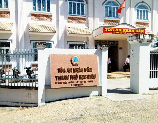 TAND TP Bạc Liêu (tỉnh Bạc Liêu) tuyên Nguyễn Văn Thịnh (Tiến sĩ, nguyên giảng viên Đại học Bạc Liêu) 6 tháng tù.