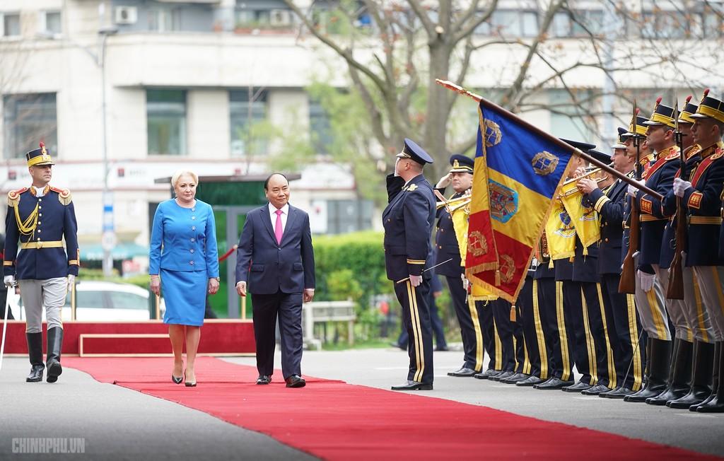 Lễ đón trọng thể Thủ tướng thăm Romania - ảnh 2