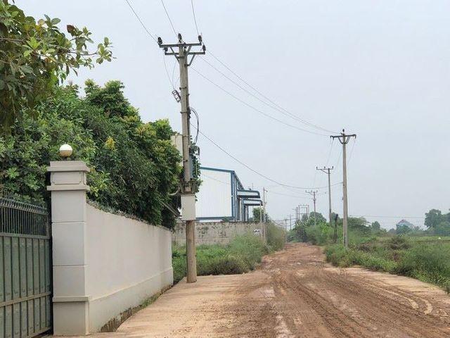 Khu vực được cho là có công trình sai phạm phải di dời theo quyết định của UBND huyện Sóc Sơn
