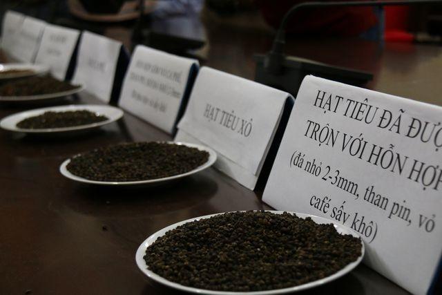 Vụ trộn tạp chất cà phê vào hồ tiêu ở Đắk Nông: Nhiều bị cáo kêu oan - ảnh 1