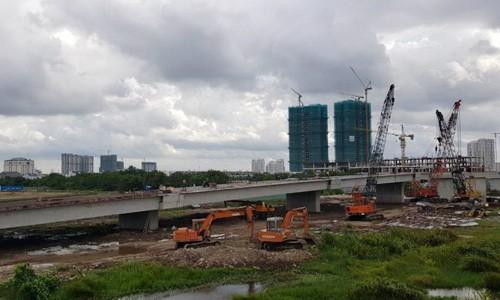 Tuyến đường song hành cao tốc TP HCM - Long Thành Dầu Giây đang hình thành. Ảnh: SaleReal