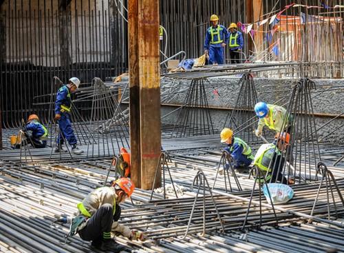 Dự Luật lao động đề xuất quyền nghỉ hưu sớm với những lao động làm công việc đặc biệt nặng nhọc, độc hại và nguy hiểm.