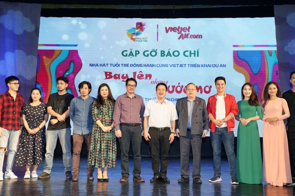 """Từ ngày Quốc tế Thiếu nhi 1/6/2019, dự án nghệ thuật """"Bay lên những ước mơ"""" sẽ chính thức khởi động với 80 suất diễn đặc biệt dành riêng cho trẻ em tại cả Hà Nội và TP.HCM"""