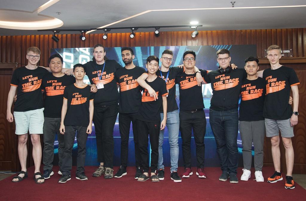 Được truyền cảm hứng từ sân chơi của FPT, giới trẻ Việt đua nhau nghiên cứu công nghệ tự hành - ảnh 1