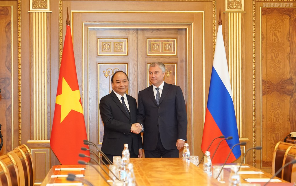 Thủ tướng Nguyễn Xuân Phúc và Chủ tịch Duma Quốc gia Nga Vyacheslav V. Volodin. ẢNh: VGP