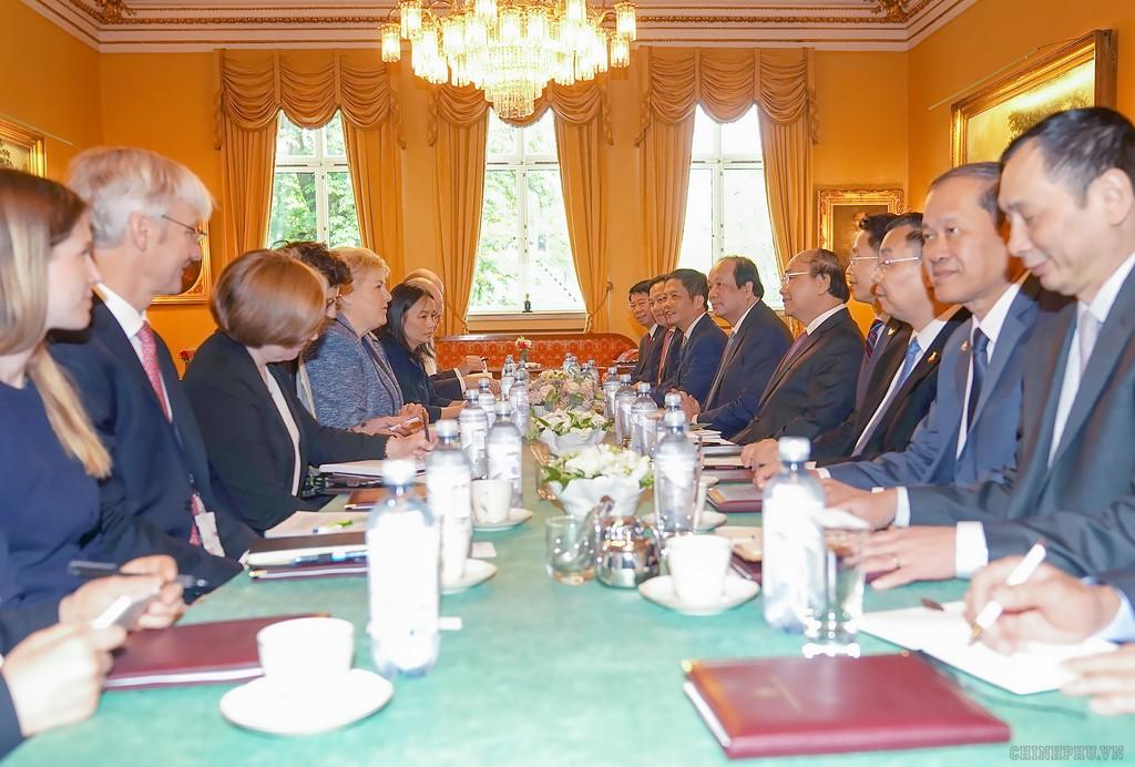 Thủ tướng Nguyễn Xuân Phúc hội đàm với Thủ tướng Na Uy - ảnh 1