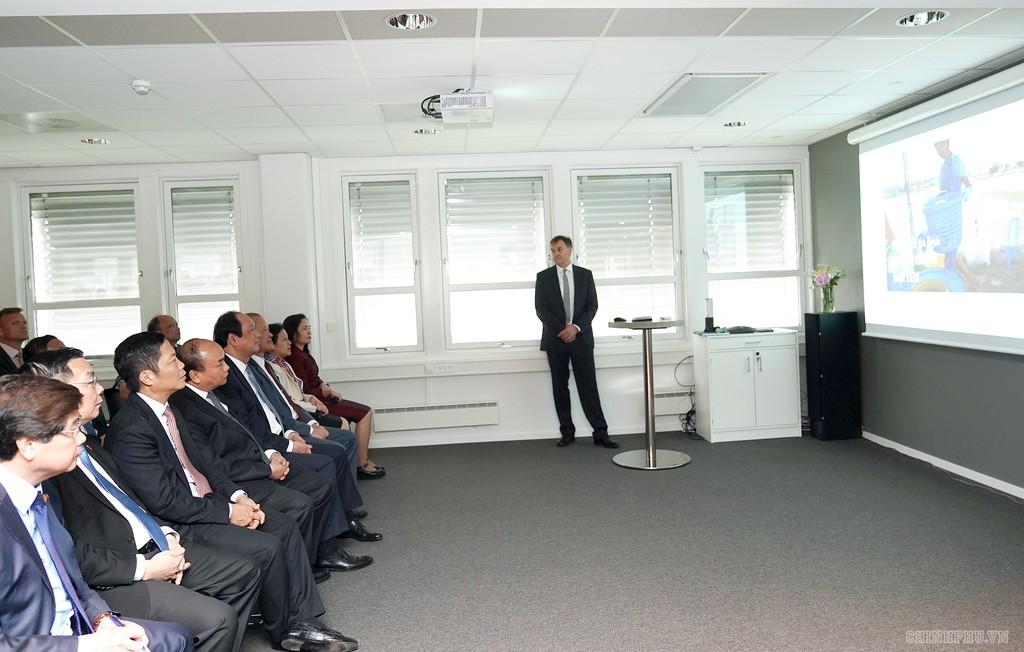 Thủ tướng thăm một số cơ sở kinh tế hàng đầu của Na Uy - ảnh 2