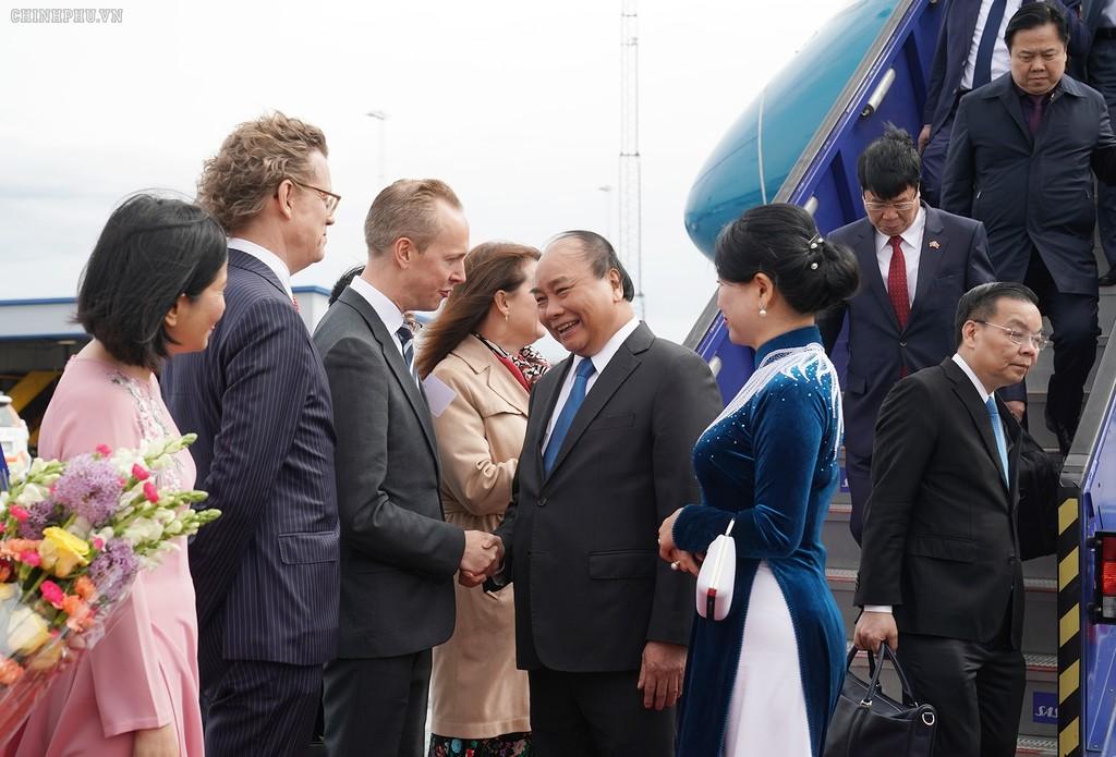 Thủ tướng đến Stockholm, bắt đầu thăm chính thức Thụy Điển - ảnh 1