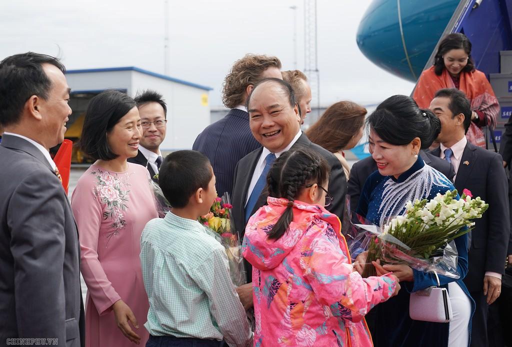 Thủ tướng đến Stockholm, bắt đầu thăm chính thức Thụy Điển - ảnh 2