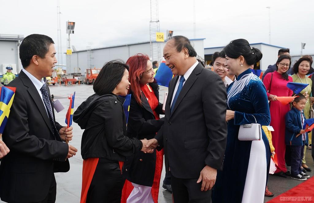 Thủ tướng đến Stockholm, bắt đầu thăm chính thức Thụy Điển - ảnh 3