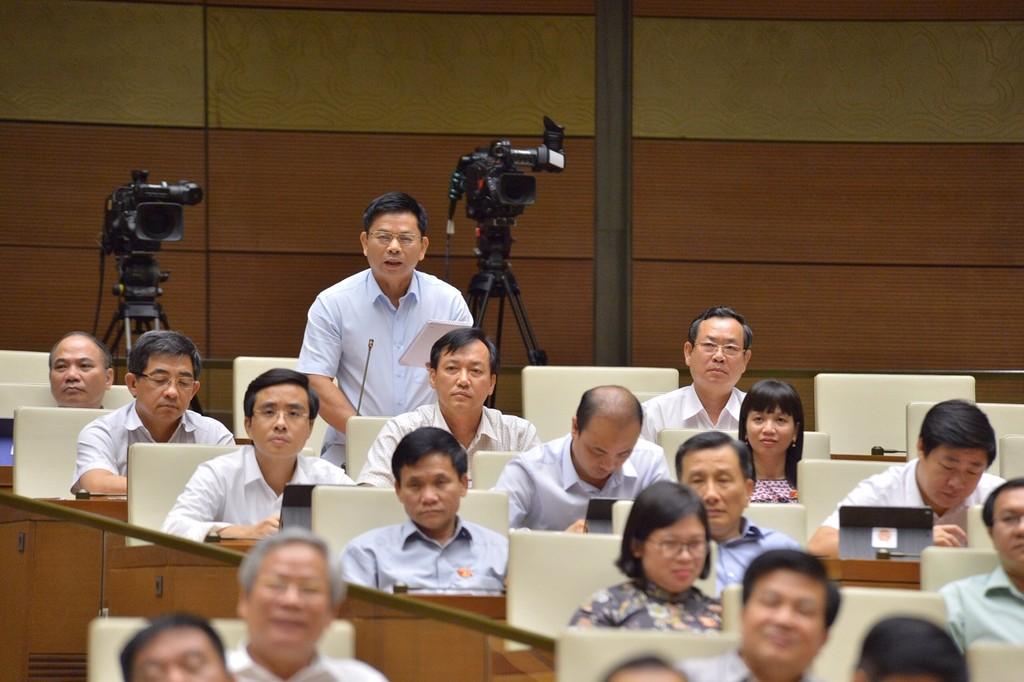 Quốc hội tiếp tục chất vấn Bộ trưởng Bộ Xây dựng Phạm Hồng Hà - ảnh 3