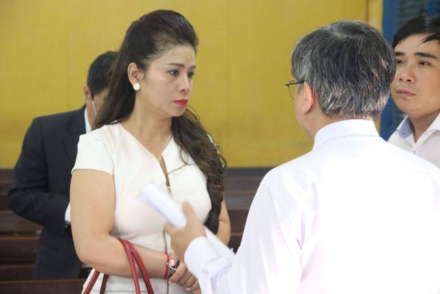 Bà Lê Hoàng Diệp Thảo không mở cửa cho tổ cưỡng chế - ảnh 2